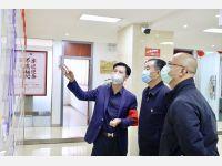 昆明市委政法委书记李建阳看望一线疫情防控值守律师